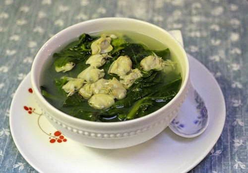 Asian Spinach Soup with Hard Clams Recipe