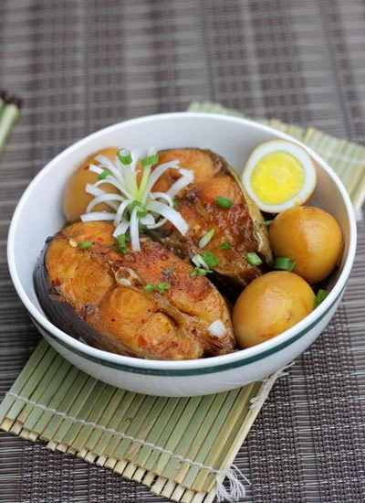 Braised Basa Fish with Chicken Eggs Recipe