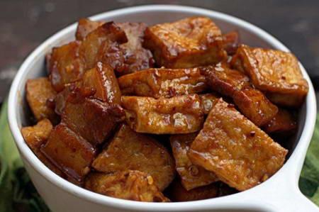 Braised Pork with Baby Tofu