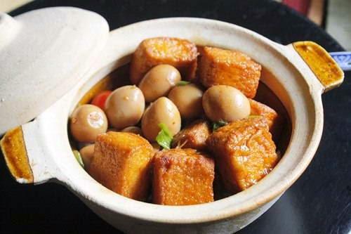 Braised Tofu with Quail Eggs