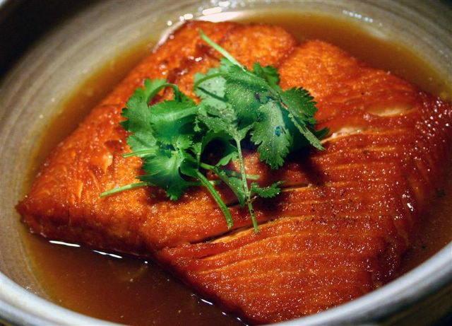 Fried Salmon with Pepper (Cá Hồi Chiên Tiêu)