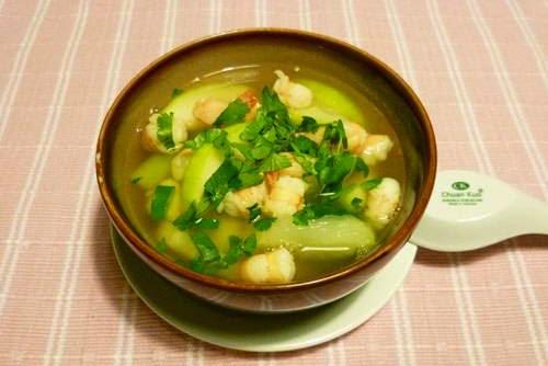 Green Gourd Soup with Fresh Prawns Recipe