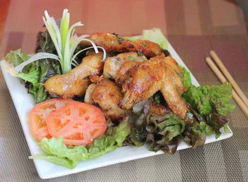 Grilled Chicken Wings with Butter and Garlic