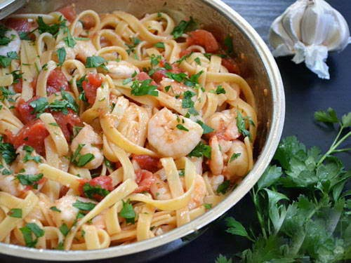 Pasta with Prawn in Sweet and Sour Sauce