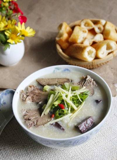 Pork Blood Porridge (Chao Huyet)
