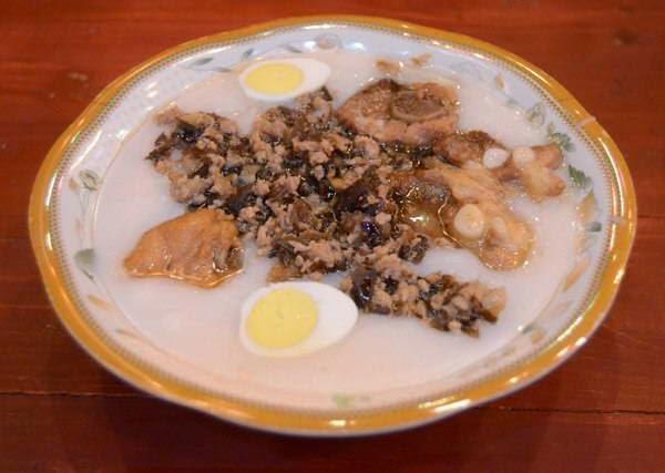 Pork Chop Porridge with Quail Eggs