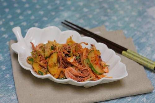 Salad with Octopus Recipe (Nom Bach Tuoc)