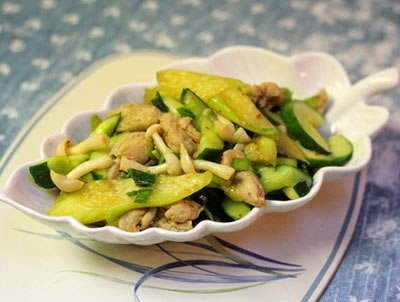 Stir fried Chicken with Cucumber and Mushroom