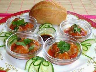 Vietnamese Sandwich with Meat Balls